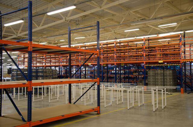 полочные складские системы для склада